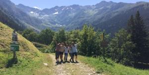Avec un petit groupe lors d'un séjour au Léat
